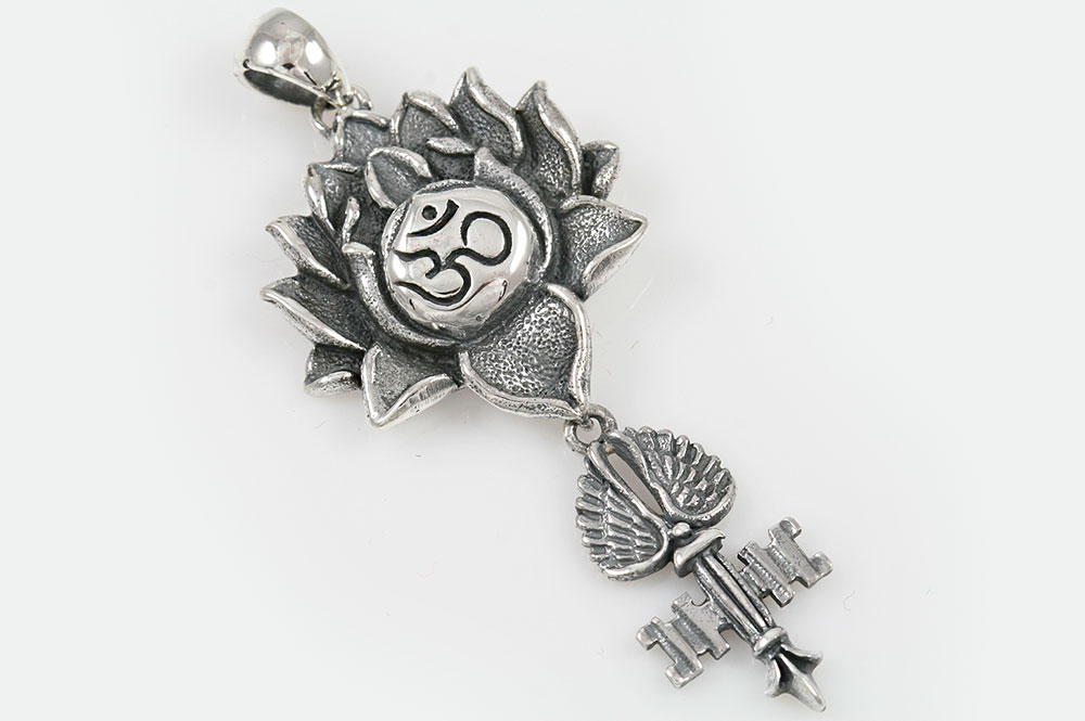 Giani Inspirations Om Hinduism Symbol Lotus Key With Wing Silver