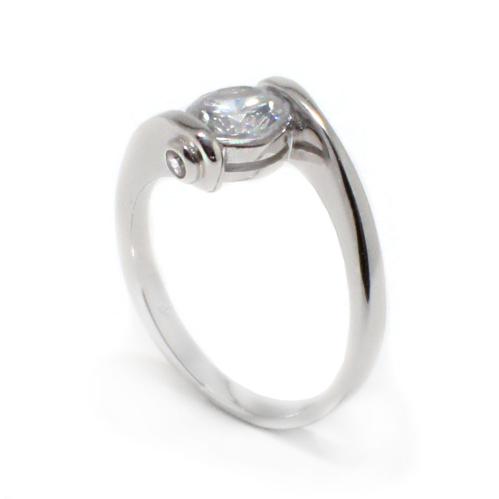 sterling silver center cz overlap twist ring sbgr00392